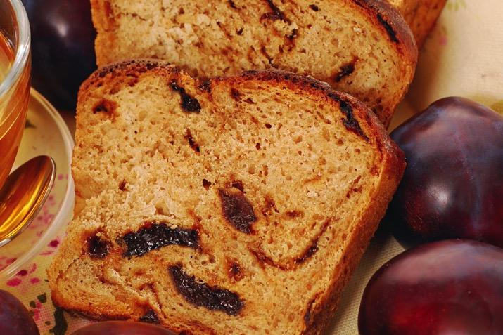 Pecan Streusel Plum Bread